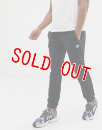 アディダス ジョガーパンツ メンズ ブラック adidas Originals joggers Slim Fit with Logo Embroidery Black